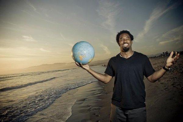 Dhani-tackles-the-globe